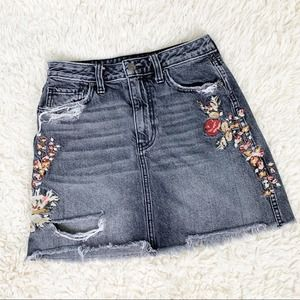ABERCROMBIE & FITCH Floral Distressed Jean Skirt